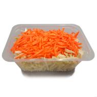 Bandeja de repollo y zanahoria